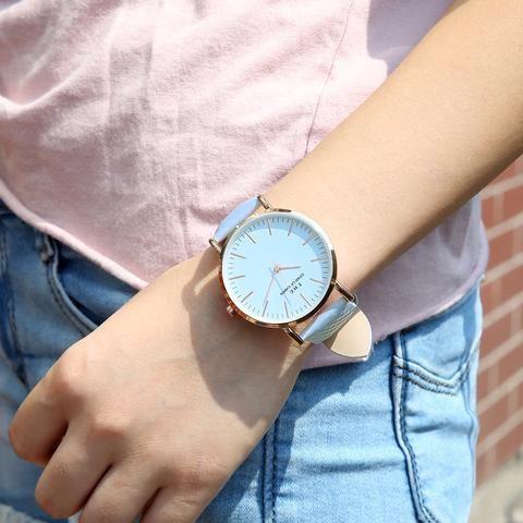 4b30c28c5b9 Spolecenske hodinky modre barvy