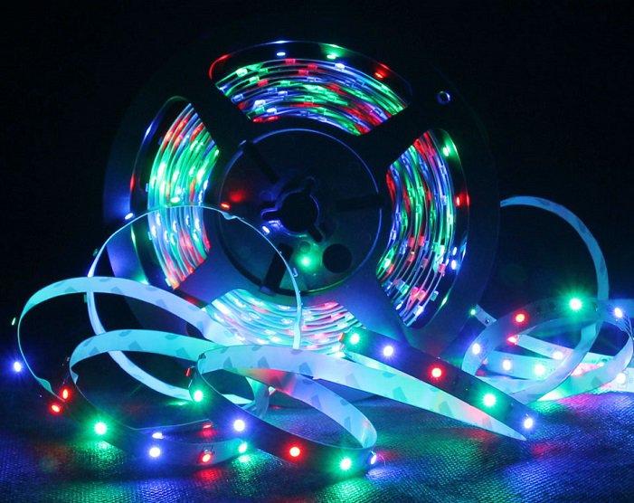 Světelný LED pásek s dálkovým ovladačem 5m - barevný